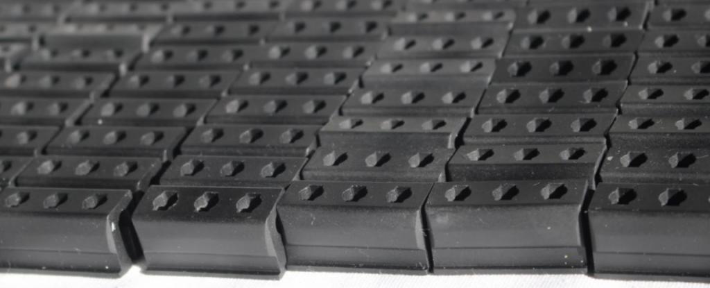 photo d'une petite série de pièces plastiques fonctionnelles.