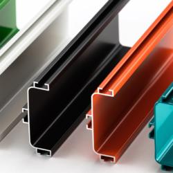 Extrusion de pièces aluminium par Prototech Asia